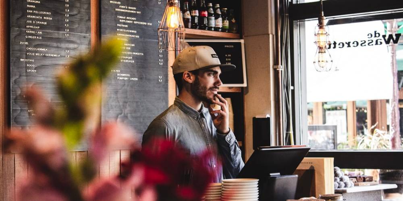 how to effectively manage your time as a small restaurant owner